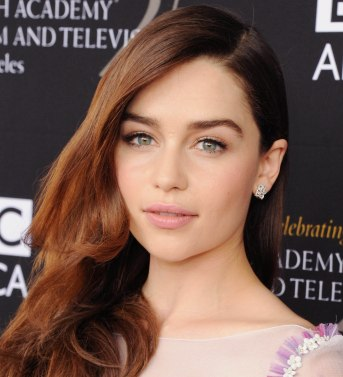 Emilia Clarke est brune - Cultureandbeaute