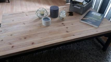 Table basse en bois et métal | Culture and Beaute